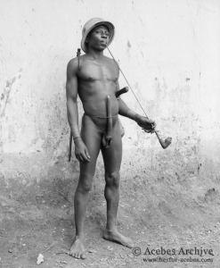 Somba (Batammariba) man with his elongated and enlarged penis. Circa 1953